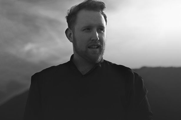 "Imagem: Ouça ""Hearts On Fire"", inédita de Gavin James - lyricvideo"