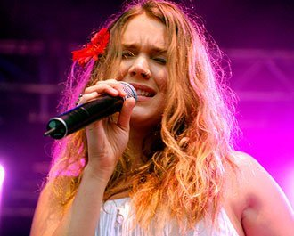 "Imagem: Ouça aqui! Joss Stone libera o single ""The Answer"" - jossstone"