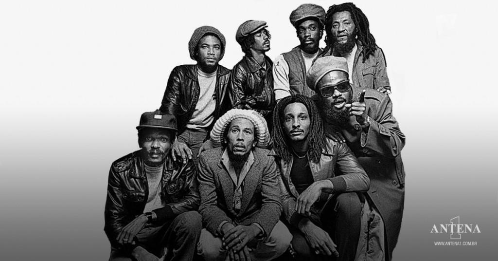 Placeholder - loading - Bob Marley e The Wailers em fundo preto e branco
