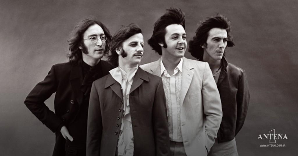Placeholder - loading - Beatles em fundo preto e branco