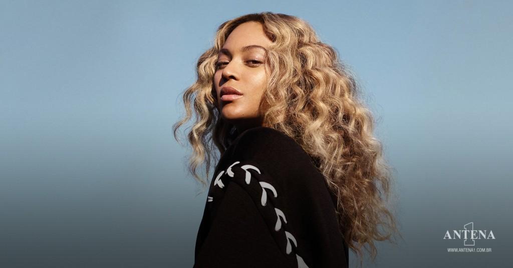 Placeholder - loading - Beyoncé em fundo azul