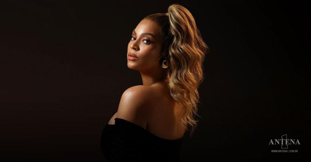 Placeholder - loading - Beyoncé - Photoshoot