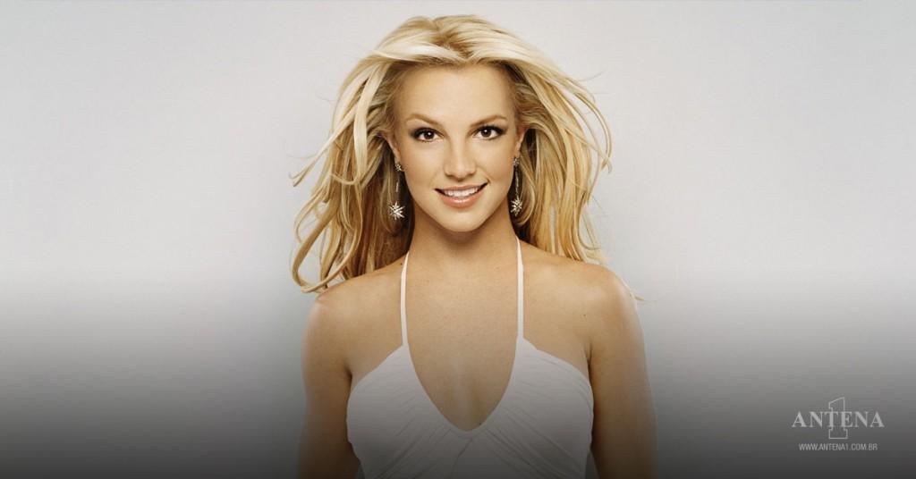 Placeholder - loading - Britney Spears em fundo cinza