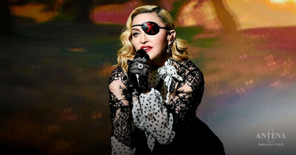 Placeholder - loading - Madonna em apresentação