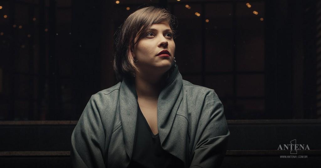 """Placeholder - loading - """"You've Always Known"""", parceria entre Neli Giorgi e Charly Coombes, entra para programação da Antena 1/Divulgação"""