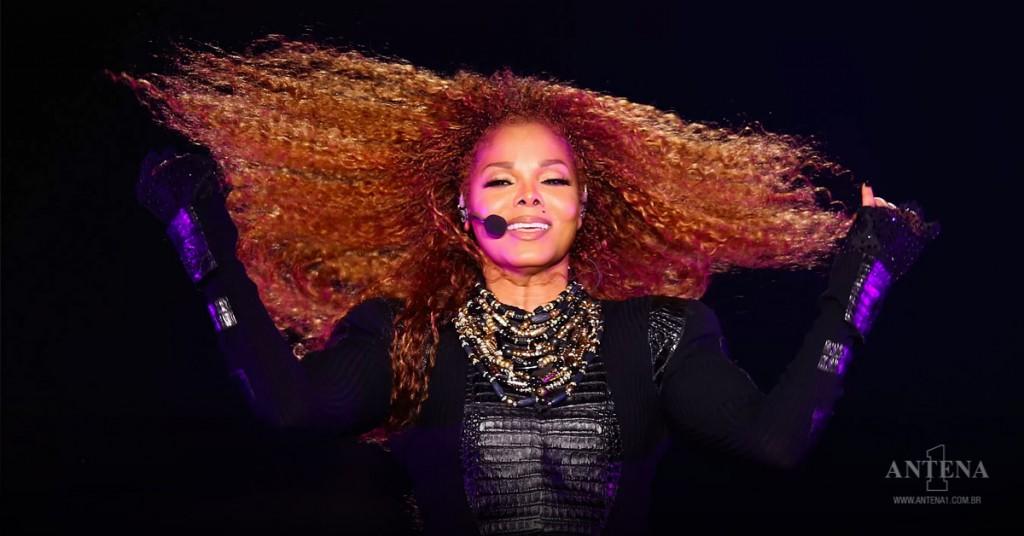 Placeholder - loading - Janet Jackson em apresentação de show