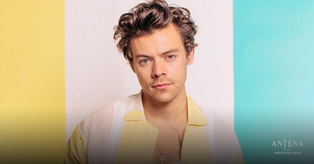 Placeholder - loading - Imagem da notícia Adore You, de Harry Styles, é o lançamento da semana!