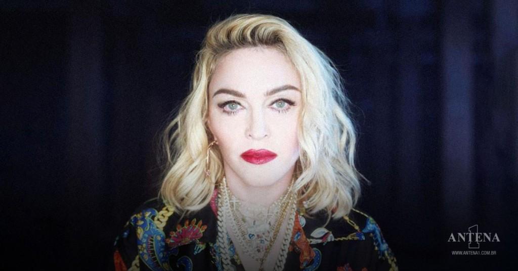 Placeholder - loading - Madonna em fundo preto