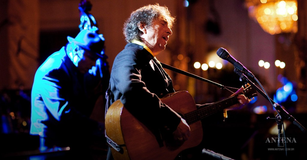 """Placeholder - loading - Bob Dylan - Bob Dylan sings """"The Times They Are A-Changin' """" during the """"In Performance At The White House: A Celebratio"""