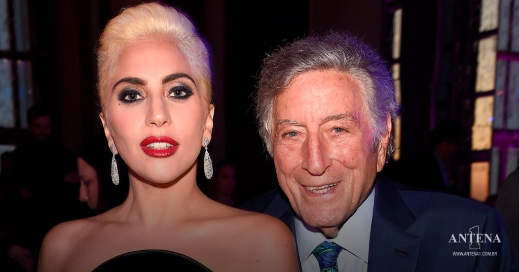 Placeholder - loading - Lady Gaga e Tony Bennett em fundo característico