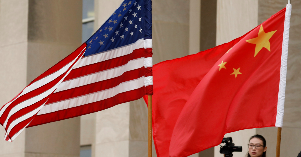 Placeholder - loading - Bandeiras dos EUA e da China em Arlington 09/11/2018 REUTERS/Yuri Gripas