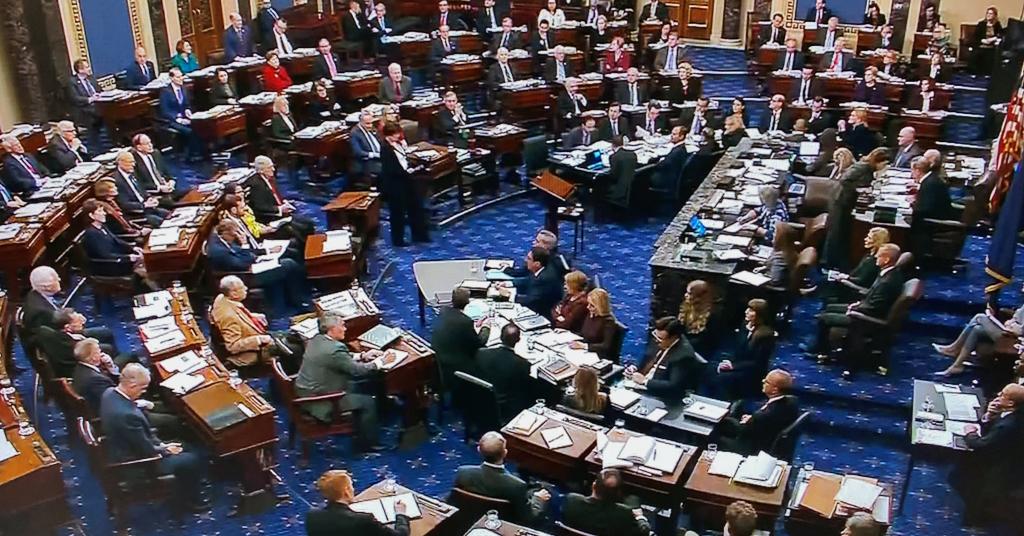 Placeholder - loading - Plenário do Senado dos EUA durante julgamento de impeachment do presidente Donald Trump REUTERS/U.S. Senate TV/Divulgação via Reuters