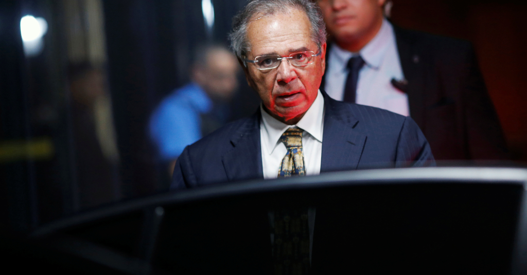 Placeholder - loading - Ministro da Economia, Paulo Guedes, deixa sede do ministério em Brasília 09/03/2020 REUTERS/Adriano Machado
