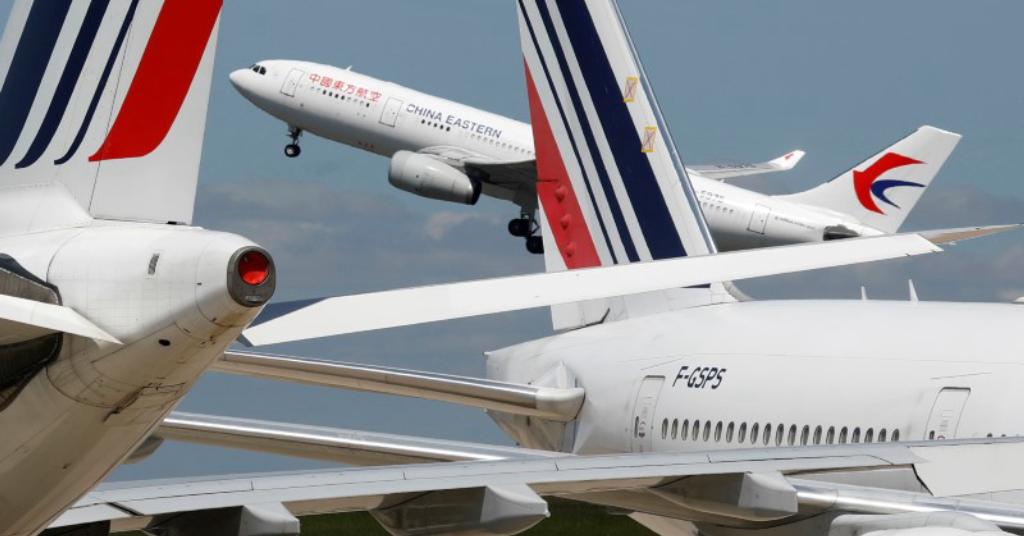 Placeholder - loading - Avião da China Eastern Airlines em aeroporto Charles de Gaulle, na França 19/05/2020 REUTERS/Charles Platiau
