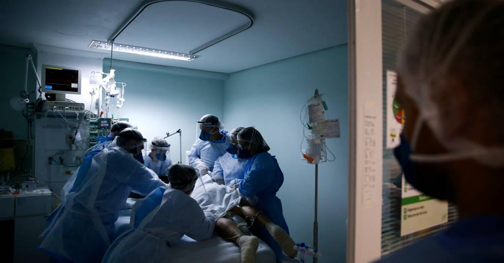 Placeholder - loading - Paciente com Covid-19 em UTI de hospital em Porto Alegre (RS)  19/11/2020 REUTERS/Diego Vara