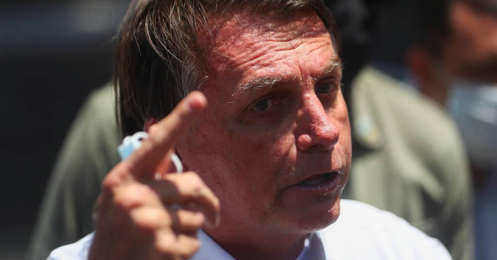 Placeholder - loading - Bolsonaro fala com apoiadores após votar na eleição municipal, no Rio de Janerio  29/11/2020 REUTERS/Pilar Olivares