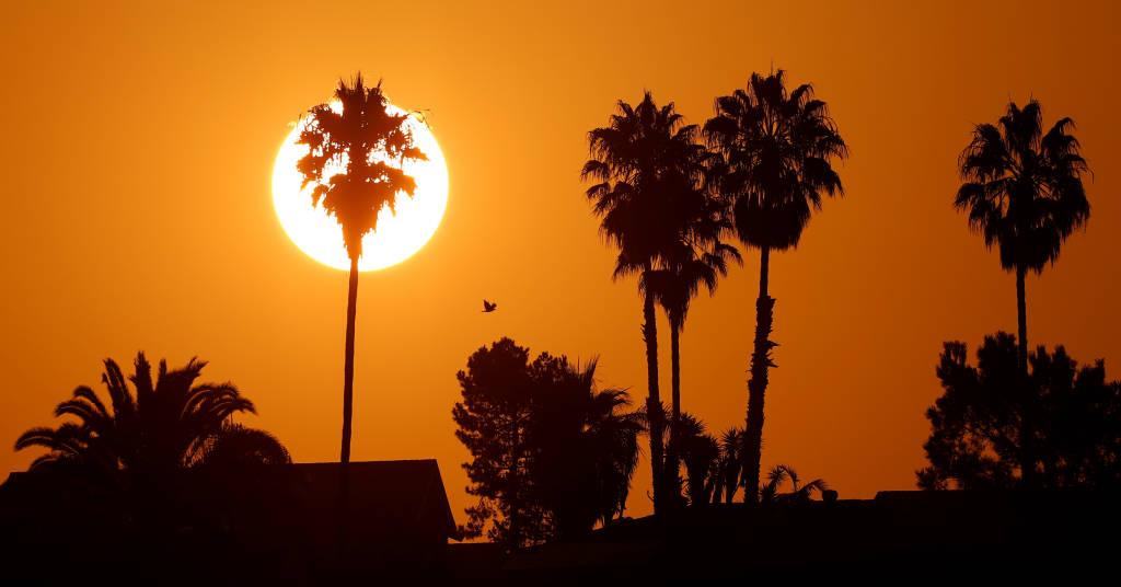 Placeholder - loading - Sol nasce durante onda de calor em Encinitas, Califórnia 19/8/ 2020 REUTERS/Mike Blake