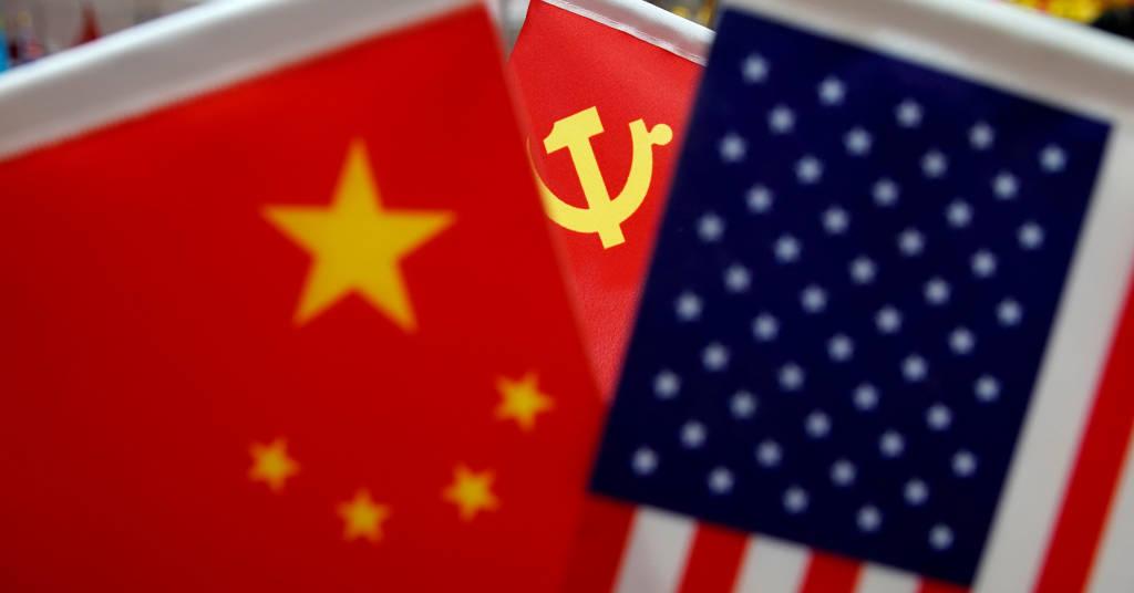 Placeholder - loading - Bandeiras dos EUA e da China  REUTERS/Aly Song