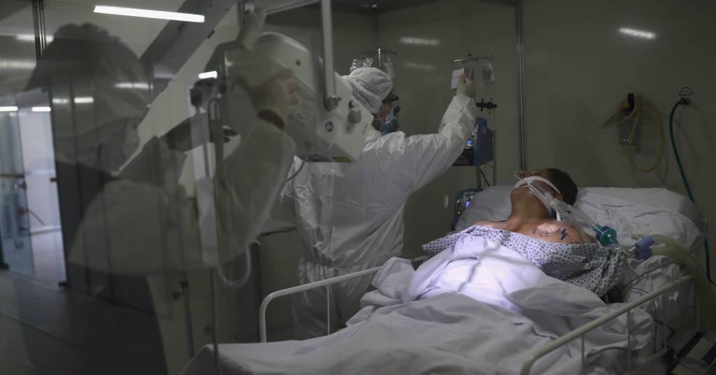 Placeholder - loading - Paciente com Covid-19 em hospital de campanha em Guarulhos (SP)  12/05/2020 REUTERS/Amanda Perobelli