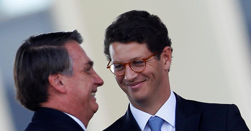 Placeholder - loading - Presidente Jair Bolsonaro e ministro do Meio Ambiente, Ricardo Salles, durante cerimônia em Brasília 23/08/2019 REUTERS/Adriano Machado