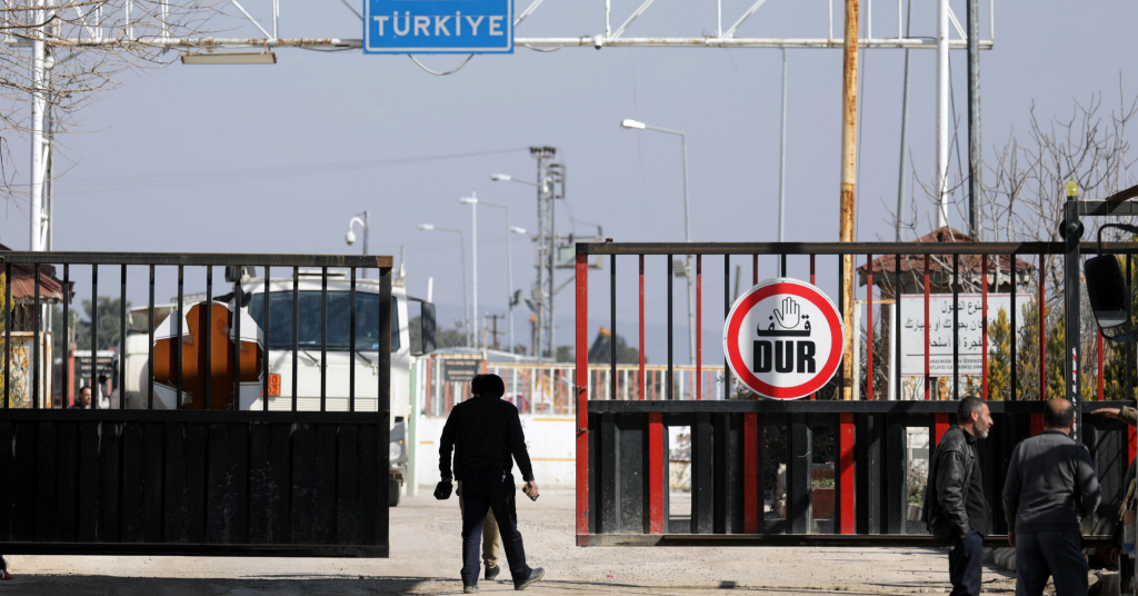 Placeholder - loading - Travessia de fronteira entre a Síria e a Turquia 20/02/2020 REUTERS/Khalil Ashawi