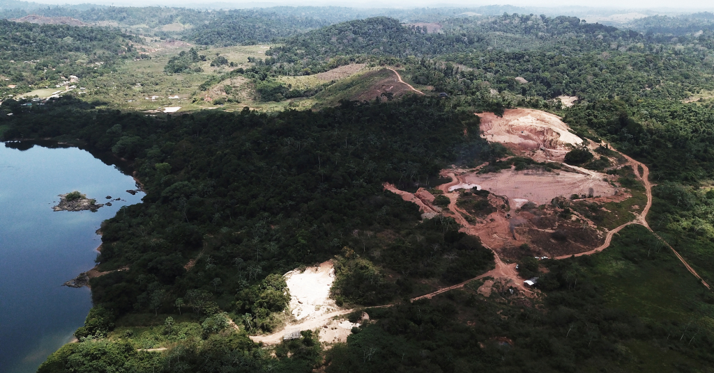 Placeholder - loading - Vista aérea de mina ilegal de ouro perto de Altamira, no Pará 30/08/2019 REUTERS/Nacho Doce