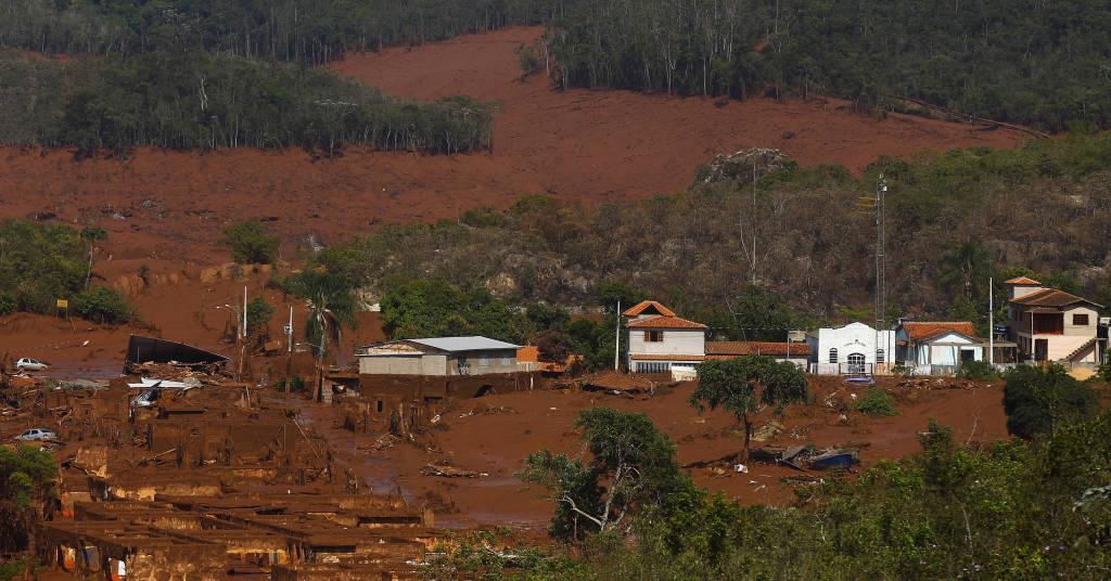 Placeholder - loading - Danos causados pelo rompimento de barragem da Samarco em Mariana (MG)  06/11/2015 REUTERS/Ricardo Moraes