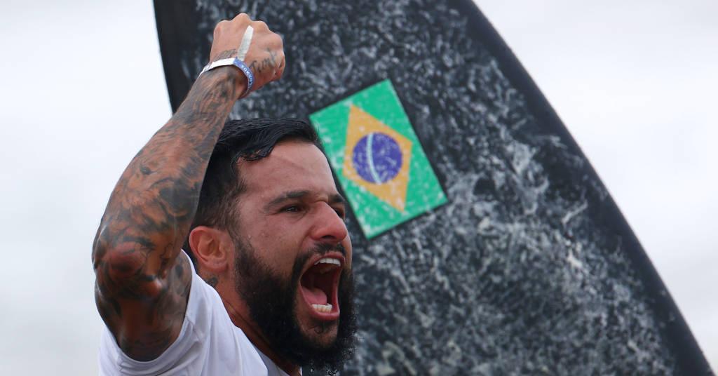 Placeholder - loading - Ítalo Ferreira comemora após ganhar medalha de ouro na Tóquio 2020 27/07/2021 REUTERS/Lisi Niesner