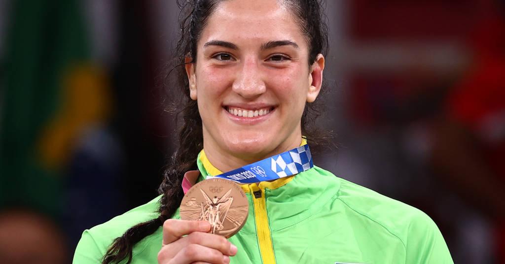 Placeholder - loading - Mayra Aguiar mostra medalha de bronze conquistada no judô na Olimpíada de Tóquio 29/07/2021 REUTERS/Sergio Perez
