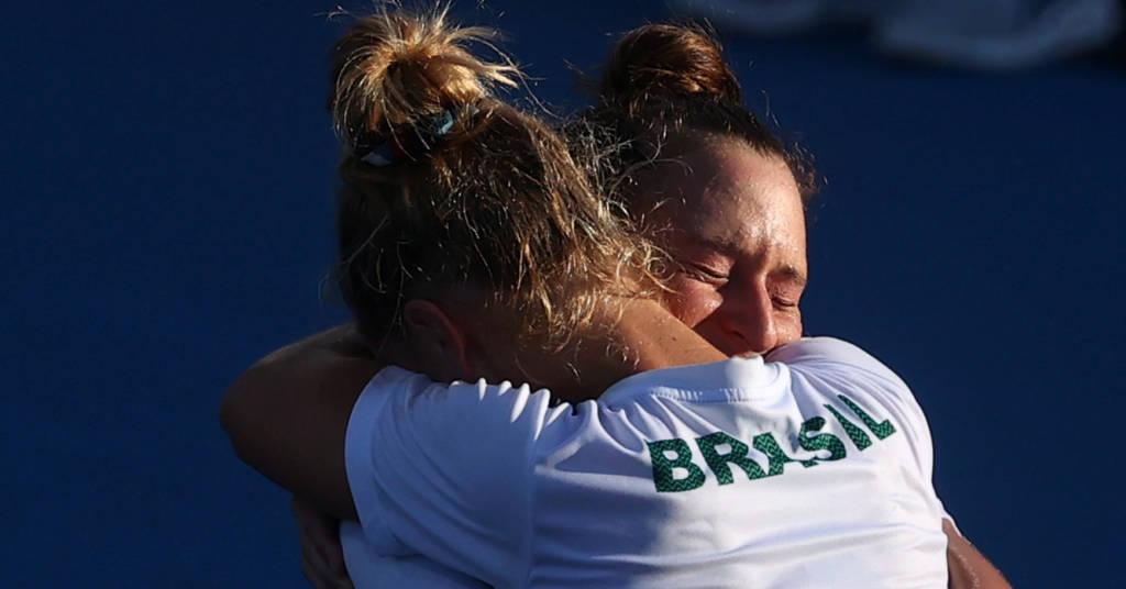 Placeholder - loading - Laura Pigossi e Luisa Stefani celebram medalha de bronze  31/7/2021    REUTERS/Yara Nardi
