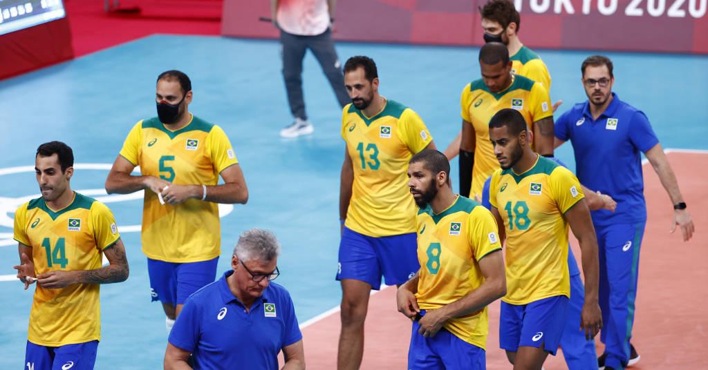 Placeholder - loading - Jogadores da seleção brasileira após derrota para a Rússia na Olimpíada de Tóquio 05/08/2021 REUTERS/Carlos Garcia Rawlins