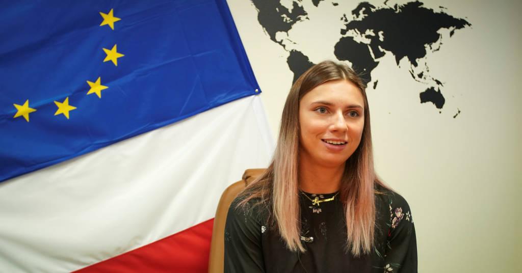 Placeholder - loading - Velocista Krystsina Tsimanouskaya durante entrevista à Reuters em Varsóvia 05/08/2021 REUTERS/Darek Golik