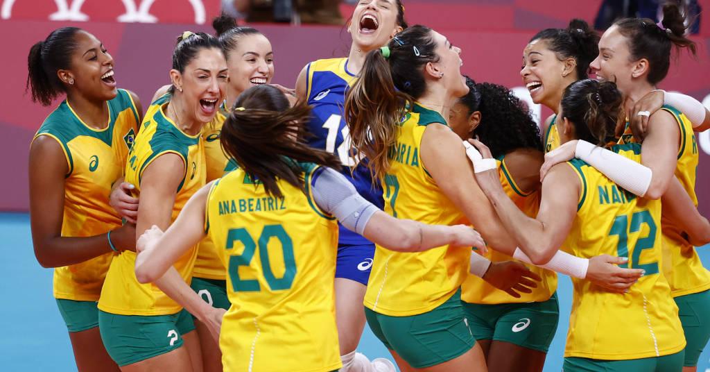 Placeholder - loading - Jogadoras do Brasil durante vitória sobre a Coreia do Sul na semifinal do torneio de vôlei feminino da Tóquio 2020 06/08/2021 REUTERS/Carlos Garcia Rawlins