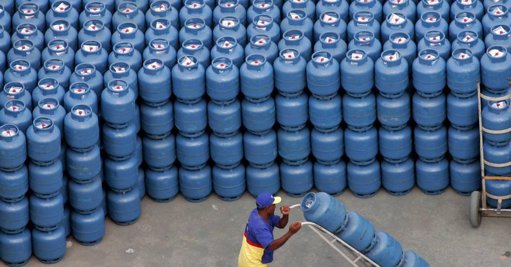 Placeholder - loading - Botijões de gás em distribuidora em São Paulo (SP)  02/05/2006 REUTERS/Caetano Barreira