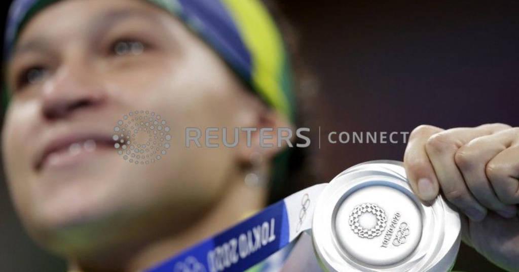 Placeholder - loading - Beatriz Ferreira posa para fotos com medalha de prata do boxe REUTERS/Ueslei Marcelino