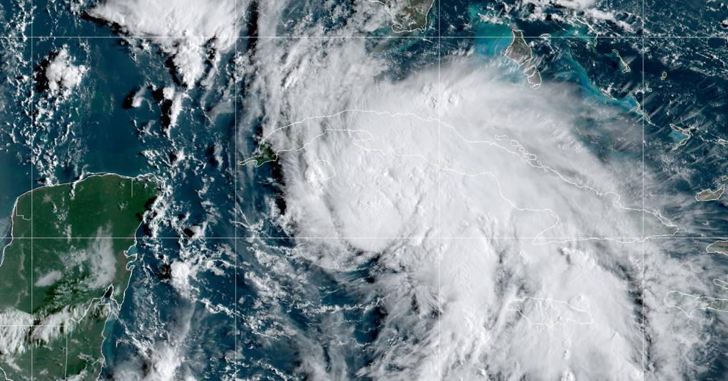 Placeholder - loading - Imagem de satélite da tempestade tropial Ida 27/08/2021 NOAA/Divulgação via REUTERS