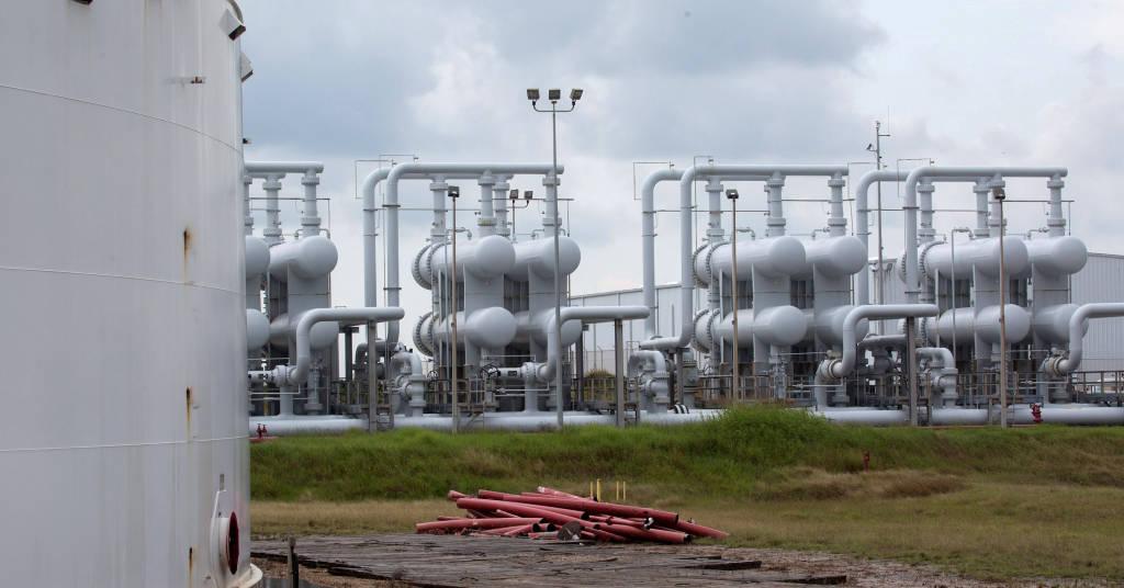 Placeholder - loading - Unidade de armazenamento de petróleo no Texas 9/06/2016  REUTERS/Richard Carson