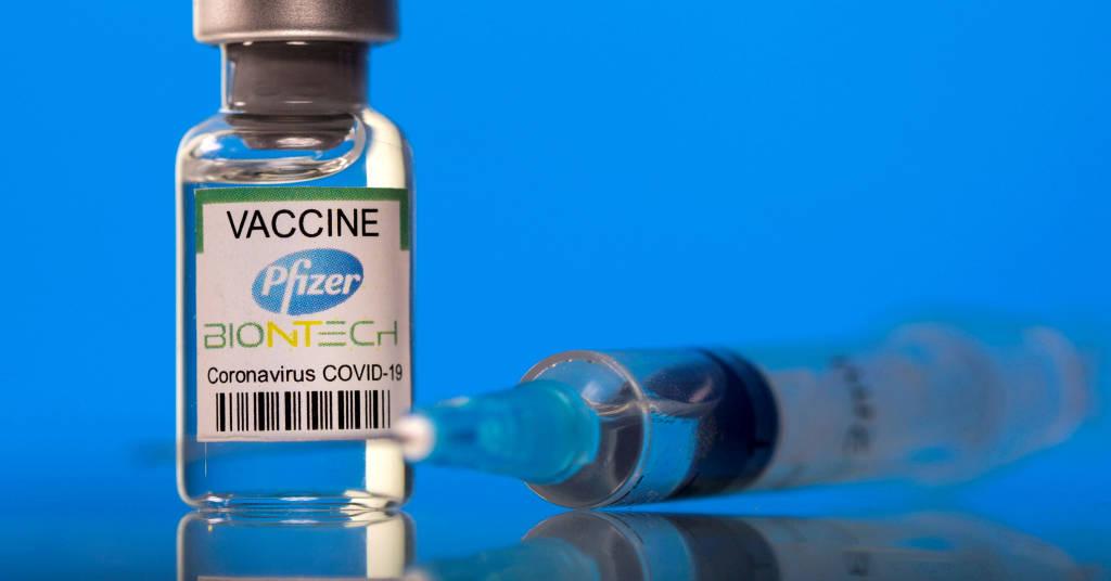 Placeholder - loading - Frasco rotulado como de vacina da Pfizer/BioNTech contra Covid em foto de ilustração 19/03/2021 REUTERS/Dado Ruvic/Illustration/File Photo