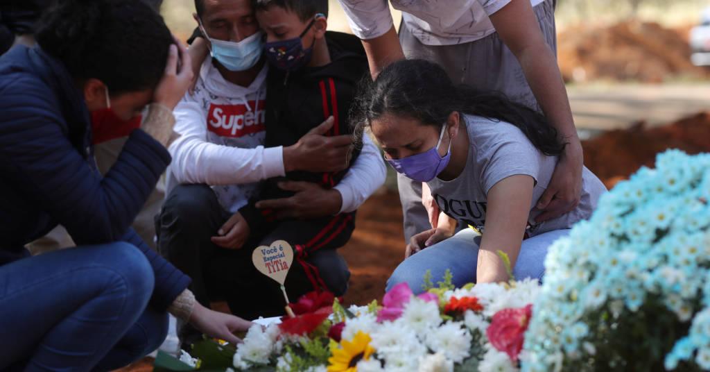 Placeholder - loading - Enterro em cemitério em São Paulo (SP) durante pandemia de coronavírus  06/08/2020 REUTERS/Amanda Perobelli