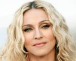 Madonna anuncia mais três shows na Europa Background