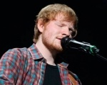 Ed Sheeran fará abertura de show dos Rolling Stones Background