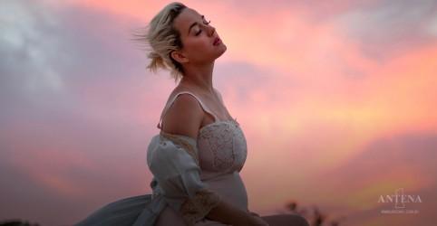 Placeholder - loading - Imagem da notícia Nasce a primeira filha de Katy Perry