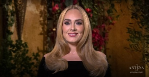 Placeholder - loading - Imagem da notícia Adele retorna às redes sociais com post comemorativo