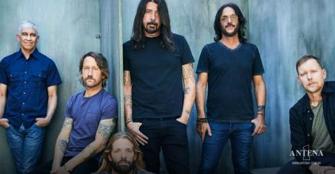 Placeholder - loading - Imagem da notícia Foo Fighters adia show de Los Angeles devido ao caso de Covid-19