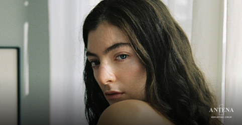 Placeholder - loading - Imagem da notícia Lorde performa Solar Power ao vivo em programa