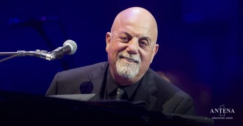 Placeholder - loading - Imagem da notícia Billy Joel: Veja Stephen Colbert e convidados no hit New York State of Mind