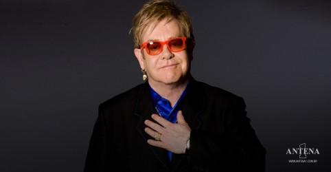 Placeholder - loading - Imagem da notícia A excursão de despedida de Elton John foi adiada mais uma vez