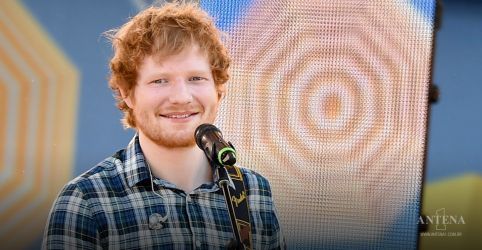 Placeholder - loading - Imagem da notícia Ed Sheeran indica lançamento em breve