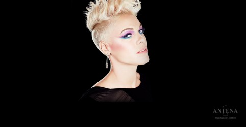 "Placeholder - loading - ""What About Us"", de P!nk, é Lançamento da Semana na Antena 1"