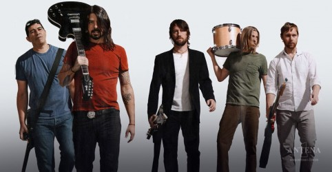 Foo Fighters faz performance de single do novo disco